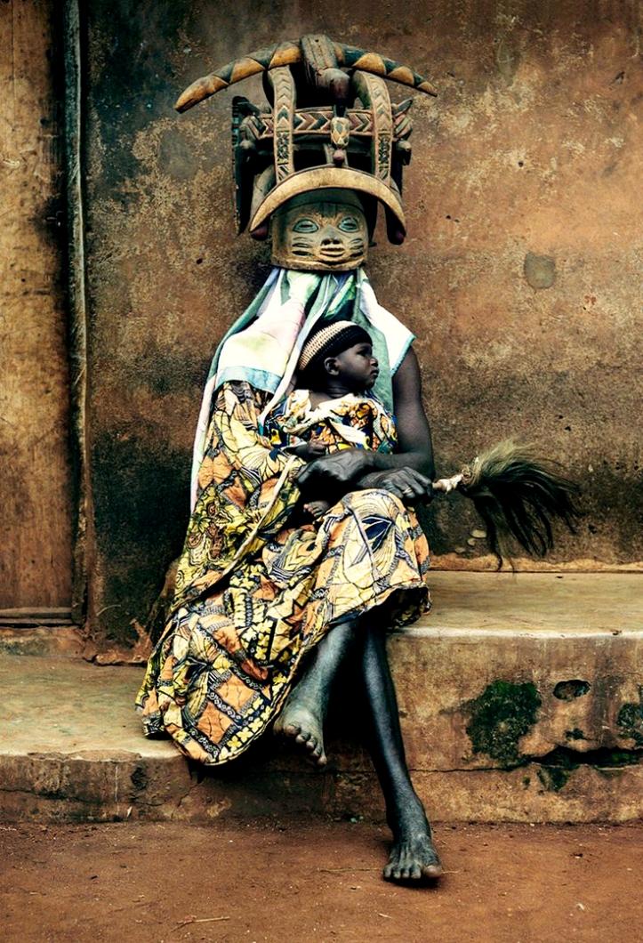 Gelede una ceremonia de África en honor a las mujeres